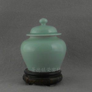 WRYTV03 Handmade celadon ceramic storage jar