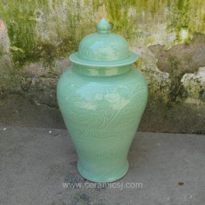 WRYMA52 green ceramic jar