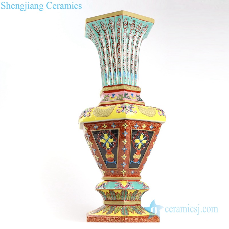 Qing dynasty reproduction ceramic vase