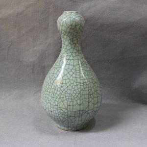 RYXC04 Jingdezhen Garlic Mouth Crackle Vase
