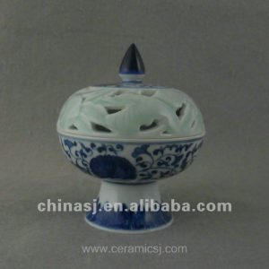 beautiful blue and white ceramic Censer with flower design WRYTZ02