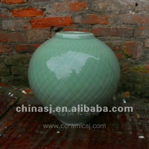 beautiful hand made green ceramic Vase WRYMA90