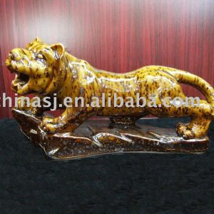 Ceramic tiger figurine WRYEQ25