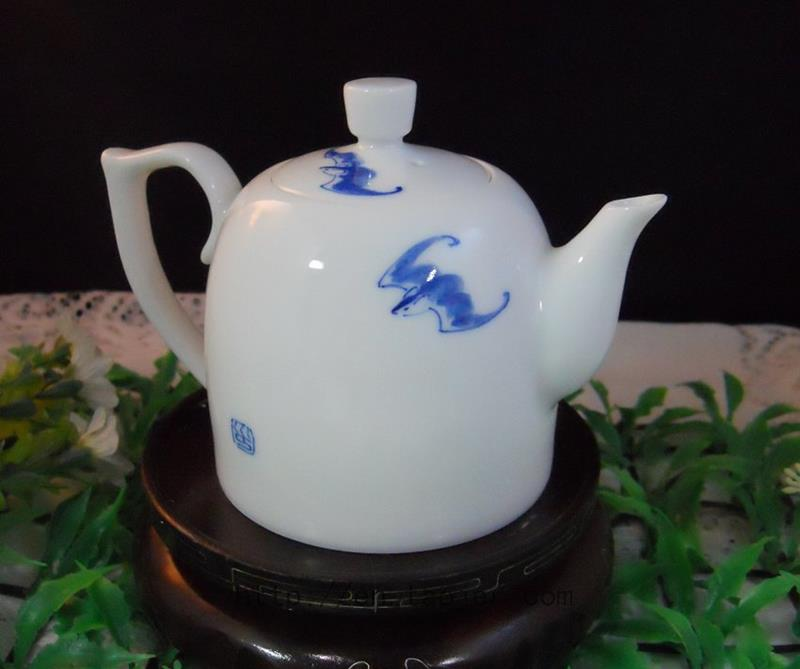 Chinese Porcelain Tea Pot RYFU10