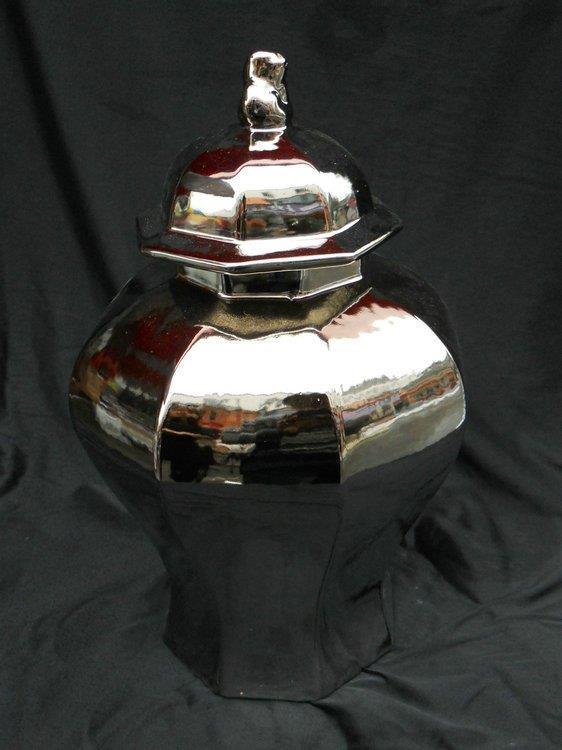 WRYAZ242 porcelain ginger jar silver and gold
