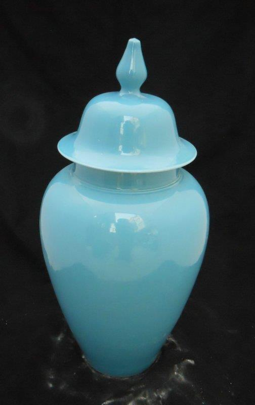 light blue ceramic ginger jar with cover WRYKB06