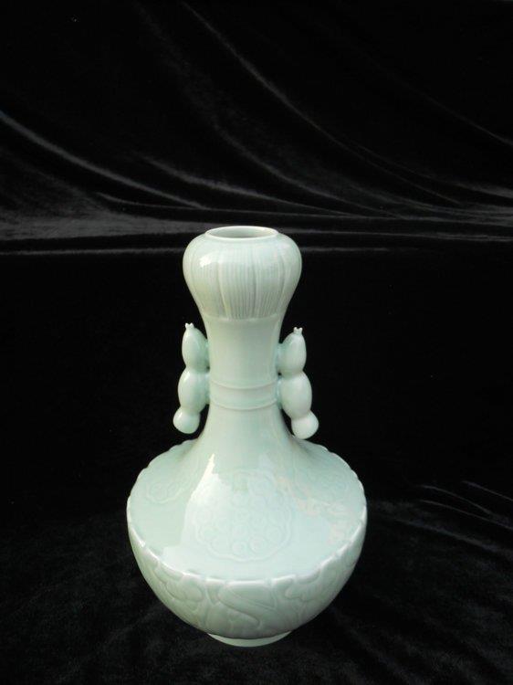 WRYKX01 Celadon garlic mouth porcelain vase