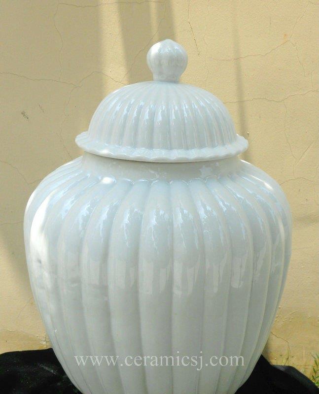 "WRYMA34 21.5"" White melon Ginger jar"