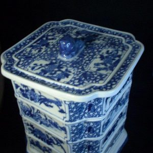WRYFH02 Blue and white ceramic snack box