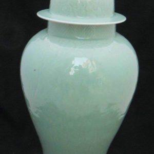 WRYKB07 Engrave celadon ceramic ginger jar
