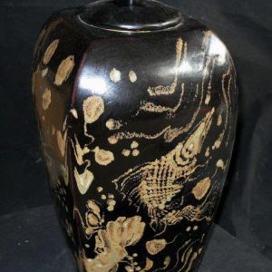WRYNE02 Fish design Chinese porcelain jar