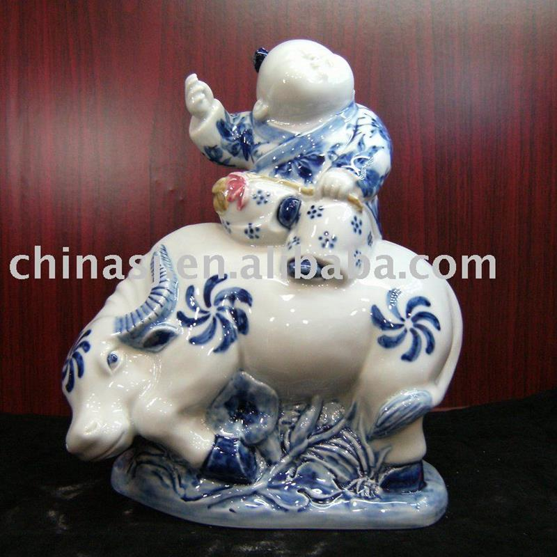 Typical Chinese blue and white Ceramic statue WRYEQ06