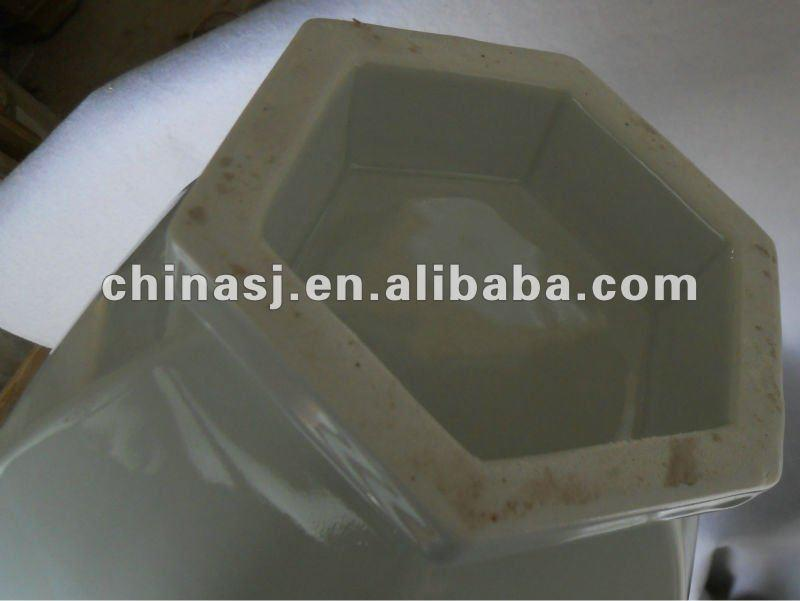 blanc de chine hexagon vase WRYTK08