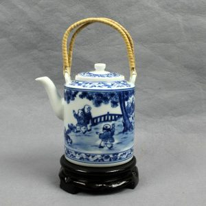 "RYG122 5.5"" Jingdezhen blue white HAND painted boys Porcelain Tea Pot"