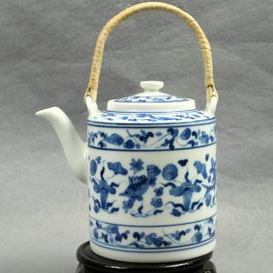 "RYG123 5.5"" Jingdezhen blue white HAND painted fish and floral Ceramic Tea Pot"