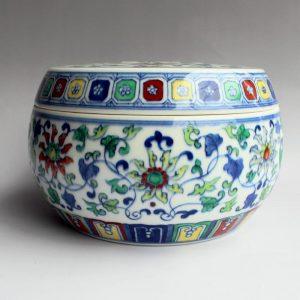 RYJH07 Jingdezhen doucai HAND painted floral Porcelain Tea Jar