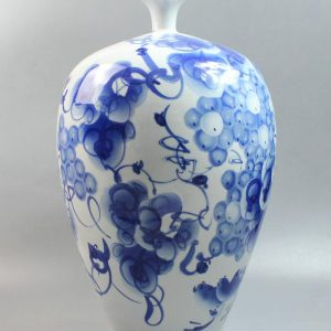 "RYPD02 18.8"" Blue white ceramic vases decorative"