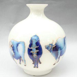 RYXF04 cow design modern white vase