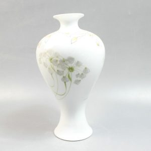 "RYZO01 11.8"" Chinese painted porcelain white vases for sale"