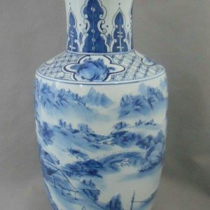 Chinese antique reproduction ceramic vase WRYPC03