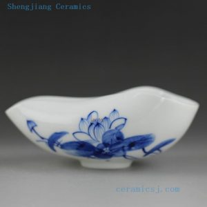 Blue white painted lotus porcelain tea holder