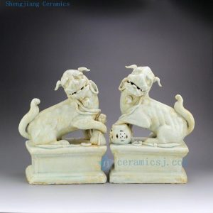 "RZEI01-C 11"" Pair of Jingdezhen porcelain foo dog statue"