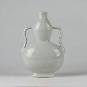 C82-2 White Ceramic Gourd Vases