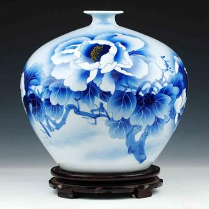 C83 White Blue Porcelain Vases