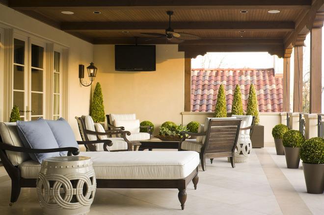 Mediterranean Deck by Harold Leidner Landscape Architects