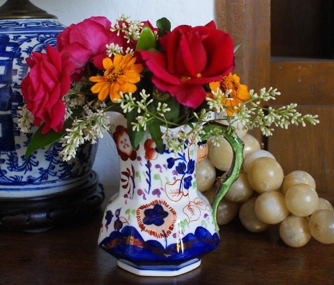 Decorating With Antiques - Ceramics