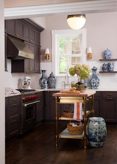 Traditional Kitchen by BGDB Interior Design