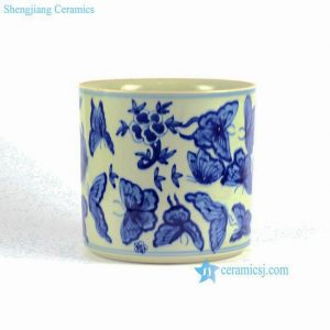 RYLU82 Butterfly floral pattern hand painted blue and white brush pot