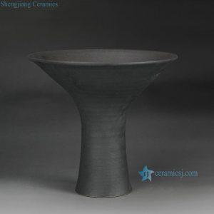 RZFZ-B-01 Handicraft high heel black clay unique funnel shape plate
