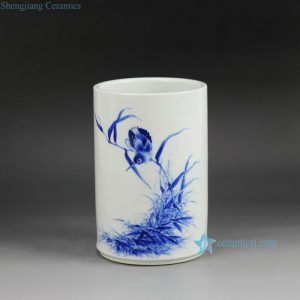 RZGP01 Vertical barrel type hand painted blue and white kingfisher pattern porcelain pen container