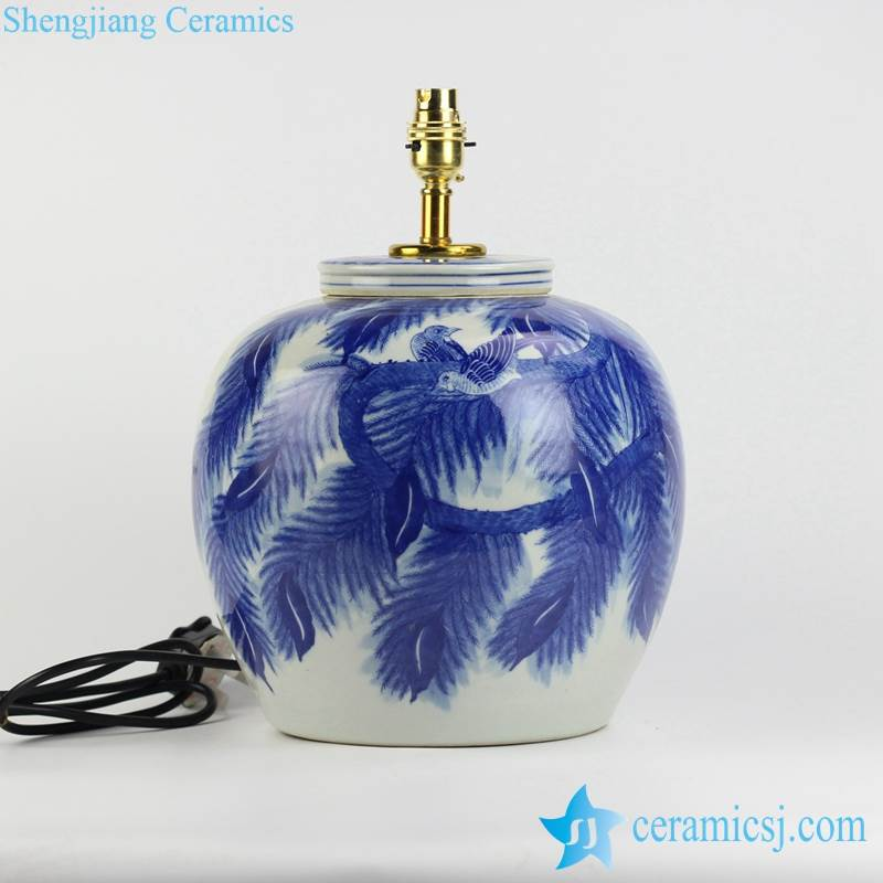 Leaf and couple birds pattern blue and white porcelain body table lamp