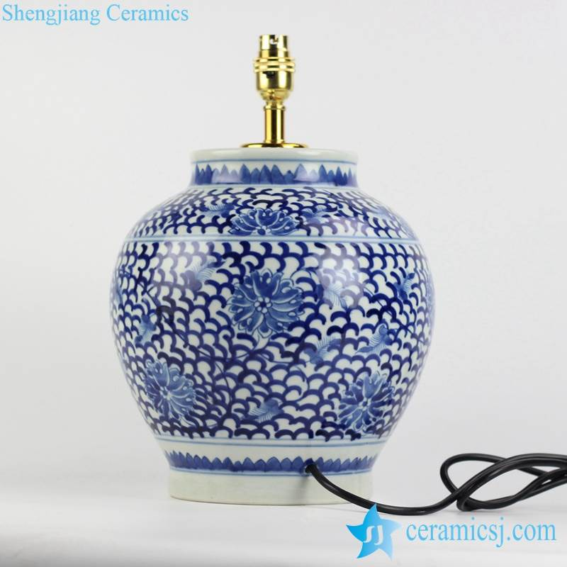 China blue and white countryside type round ceramic desk lamp