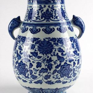 RYUU10 Chinese unique home decor blue and white flower design ceramic vase with two ears