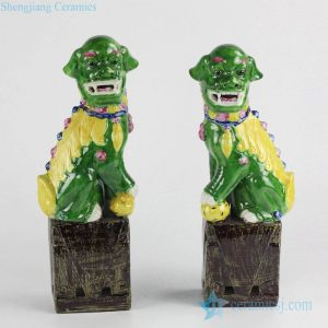 RZGB03 Online international trade and commerce glossy finish green and yellow color Jingdezhen ornament porcelain foo dog book end
