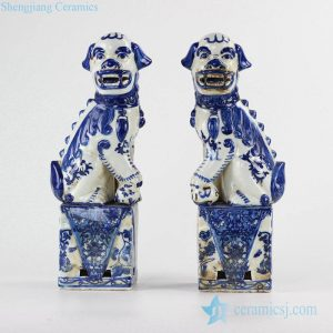 RZKC09 Blue and white color crouching foo dogs porcelain figurine