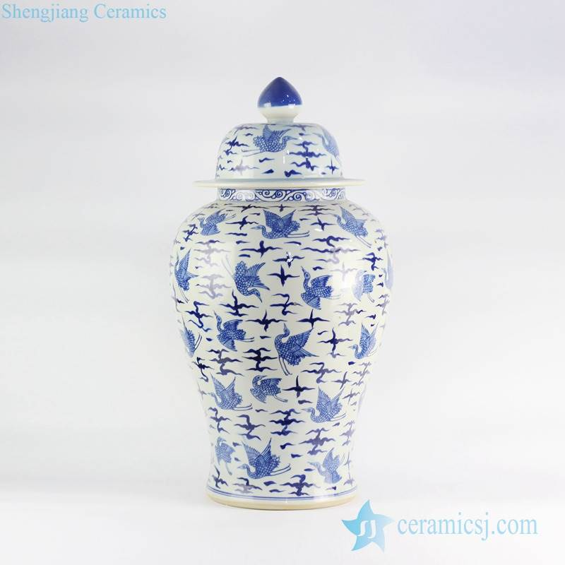 Chinese porcelain hand paint blue and white crane pattern home decor jar