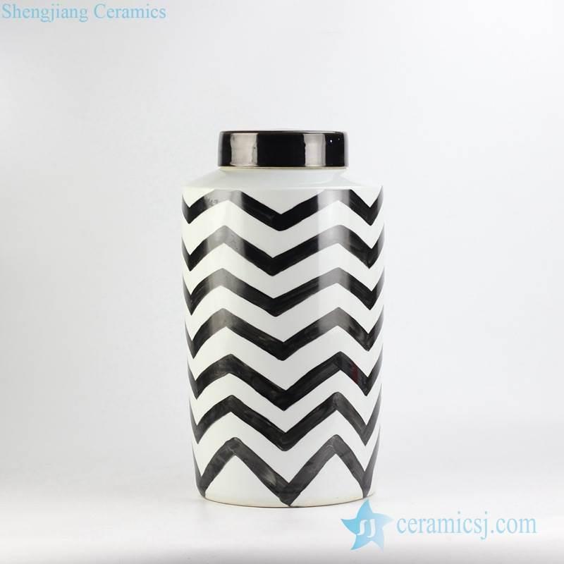 Modern hand paint black and white zigzag design exotic sensation creative porcelain column jar