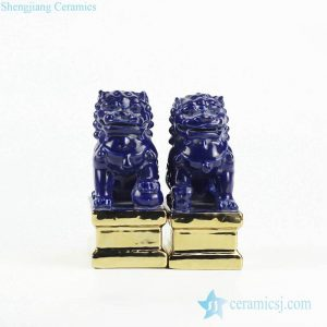 RZGA01-I Temple gate keeping guard indigo blue pair lions porcelain sculpture with gold base