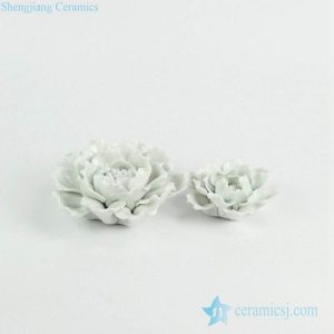 RZKW02 Hand build white porcelain flower sculpture