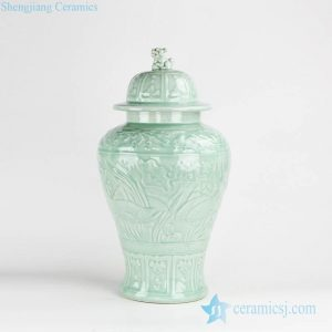 RZKo01 Carved lotus pattern turquoise color porcelain jar with lion knob
