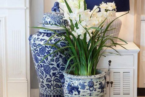 Several Ways to Use Blue and White Ceramics in Home Decor-Final