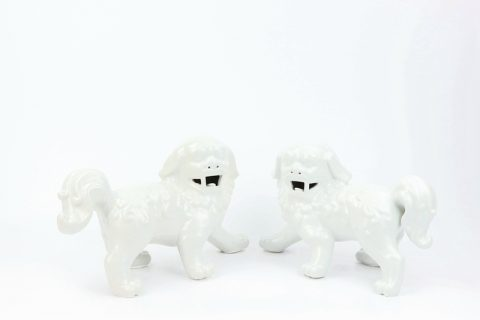 RZKC01-B Porcelain all white ceramic lion figurine