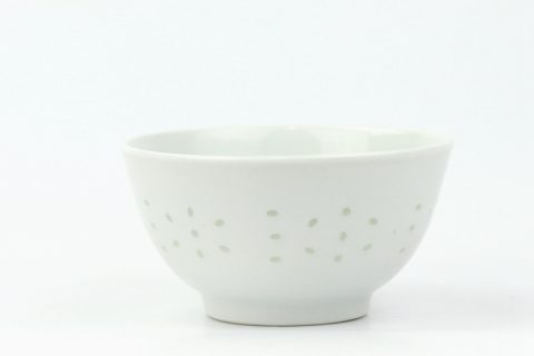 RZKG07 White porcelain bowl with rice hole in Jingdezhen traditional style
