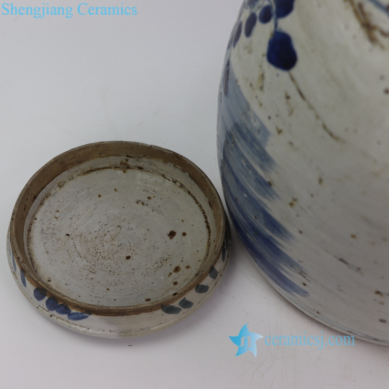 old style hand painting ceramic jar