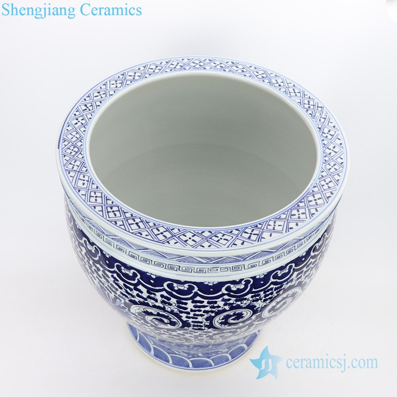 blue and white pot