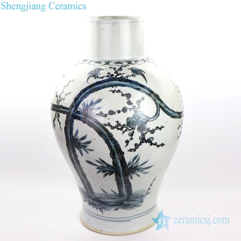 RZOX07 Blue and white hand painted ceramic  with design of flower and bird vase